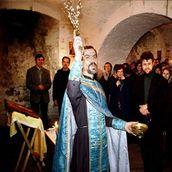 19. Освящение храма Успения. Фотография 1996 года.