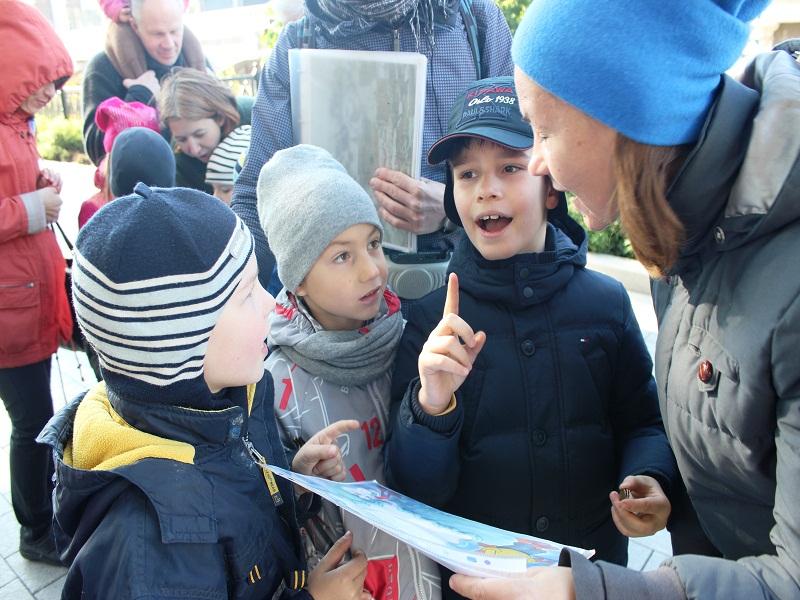 1. Детская экскурсия по Александровскому саду и Красной площади